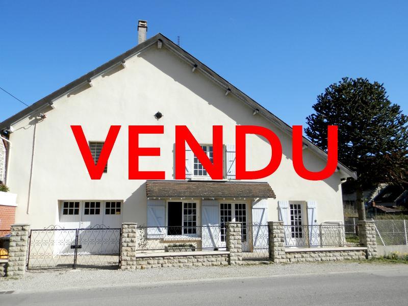 Proche BLETTERANS (39), à vendre maison de village 116 m², trois chambres, terrain 297 m².