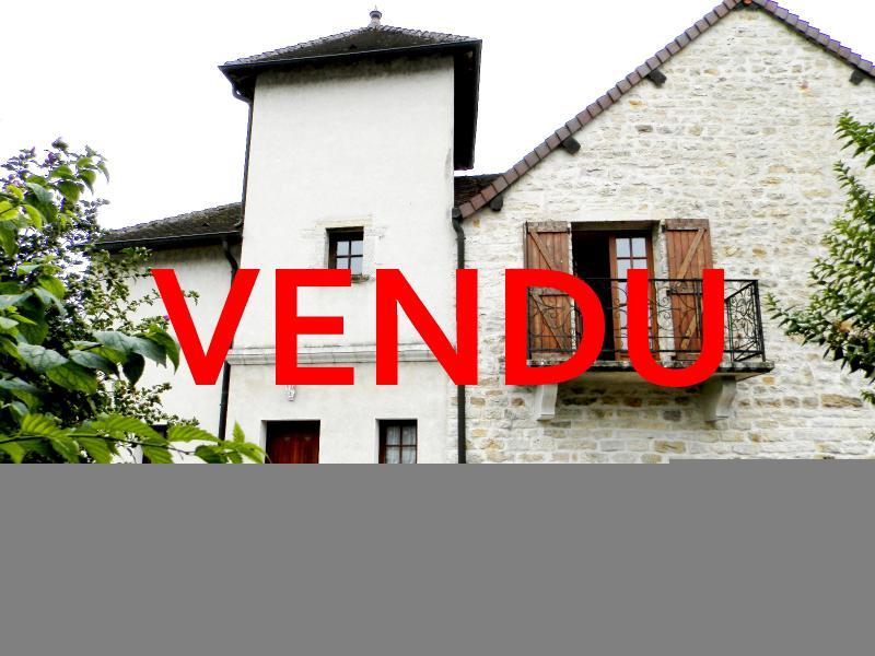 BELLEVESVRE (71), à vendre maison de village en pierre 147 m², terrain clos 285 m².