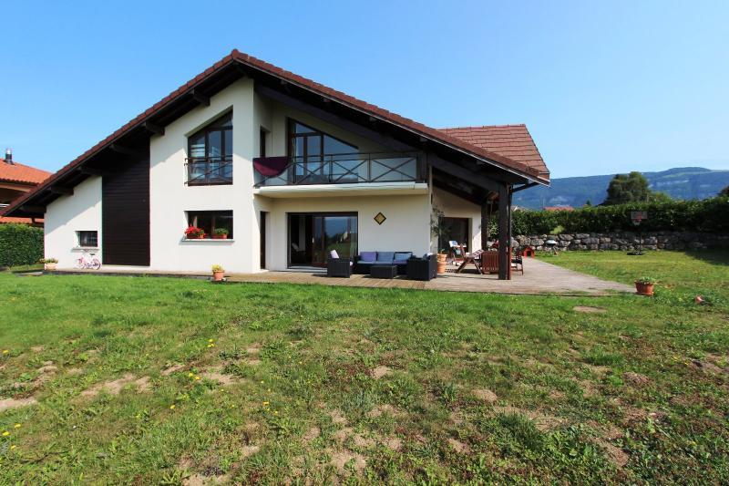 Saint Julien en Genevois (74160) à louer maison contemporaine récente de 7 pièces