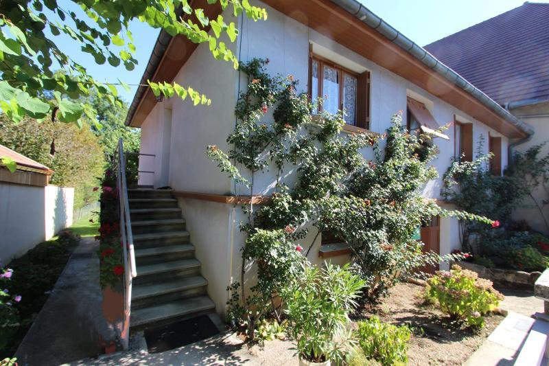 Secteur Domblans (39 JURA), � vendre maison 4 chambres sur sous-sol
