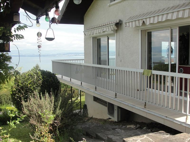 Secteur Evian, vends tr�s belle maison d?architecte, 5 pi�ces (145 m2) vue imprenable sur le lac.