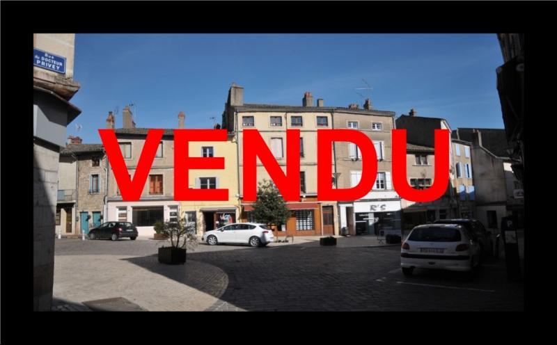 TOURNUS vends IMMEUBLE AVEC LOCAL COMMERCIAL ET APPARTEMENT TRES BIEN PLACE EN  CENTRE VILLE