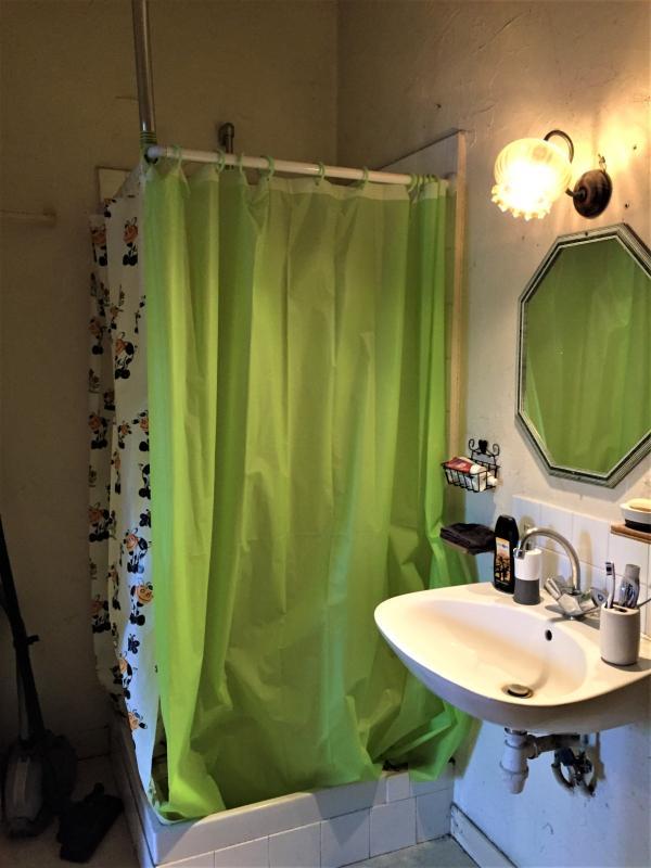 salle d'eau et wc rdc 6 m²