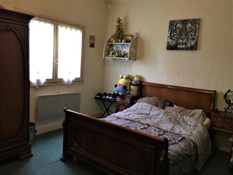 Chambre 1 à l' étage 19 m² avec sdb