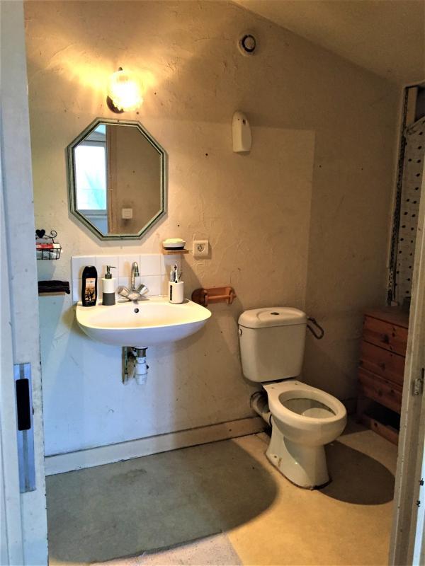 Salle d'Eau avec WC