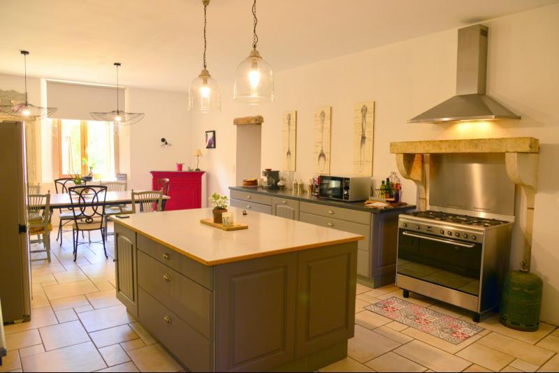 Salon cuisine petite maison