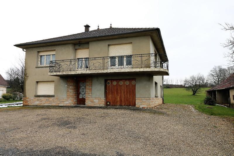 Secteur LOUHANS,Vends ensemble de 3 maisons id�alement situ�es entre Louhans et Chalon sur Sa�ne.