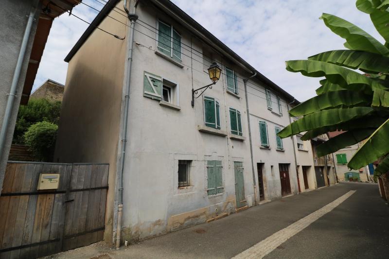 Arbois (39 JURA), vends maison de ville de 6 pi�ces, 115 m� habitables avec parking 3 voitures.