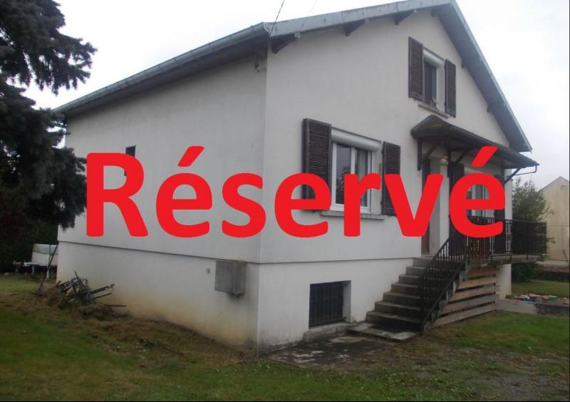Secteur Chaussin vends solide maison de 7 pièces, 110m² habitables sur 2500m² de terrain clos