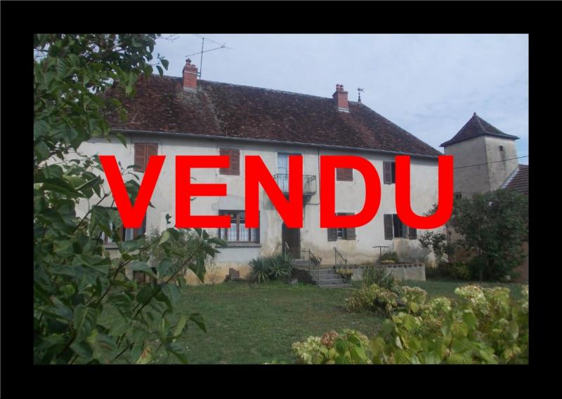 Secteur Sellières, vends belle maison en pierres de 1813, 5 pièces, 125m² sur 6000m² terrain clos