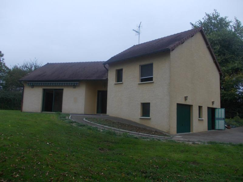 Secteur Chaussin, vends belle maison (2002 ) de 7 pi�ces, 120m�, 2 garage sur 2300m� de terrain clos
