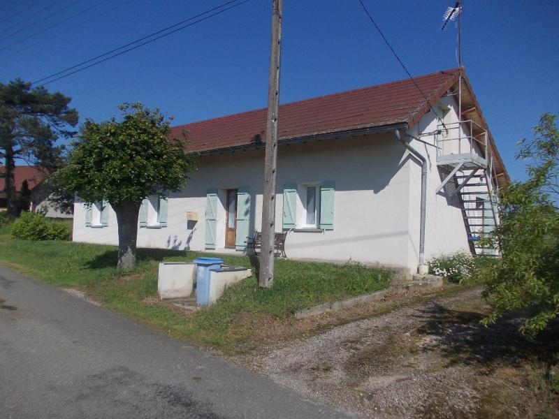 Secteur Chaumergy, � vendre agr�able maison de 5 pi�ces 95m� habitable sur 1400m� de terrain.