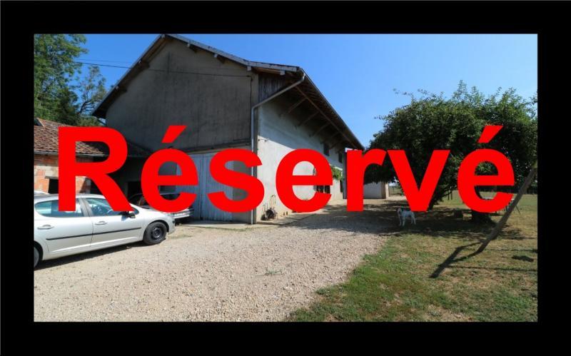 Poligny proche, vends ancienne ferme de 4 pièces, dépendances, boxes sur 6000m² de terrain.