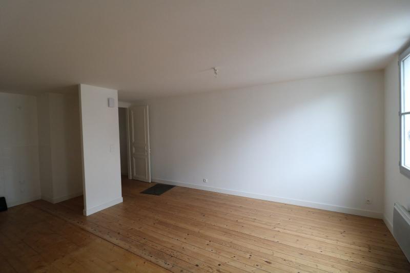Salins les Bains vends appartement T2 55m² refait à neuf  en Rez-de-chaussée, cave au centre ville.