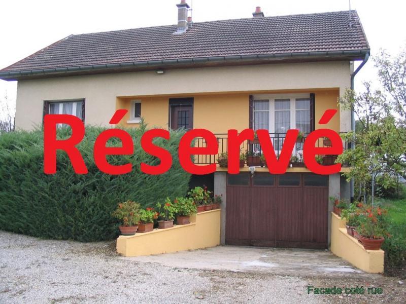 Chaussin, vends maison � la campagne de 7 pi�ces avec v�randa, piscine,150m� habitables sur 1800 m�