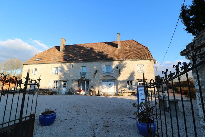 Secteur Dole, vends superbe maison bourgeoise de 24 pi�ces, 600m� habitables sur 2850m� de terrain
