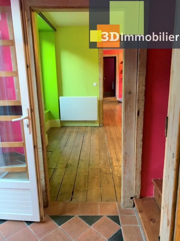 LONS-le-SAUNIER 39000 Coeur de ville bel appartement duplex 113 m�env.,  gai et color�, 3 chambres.