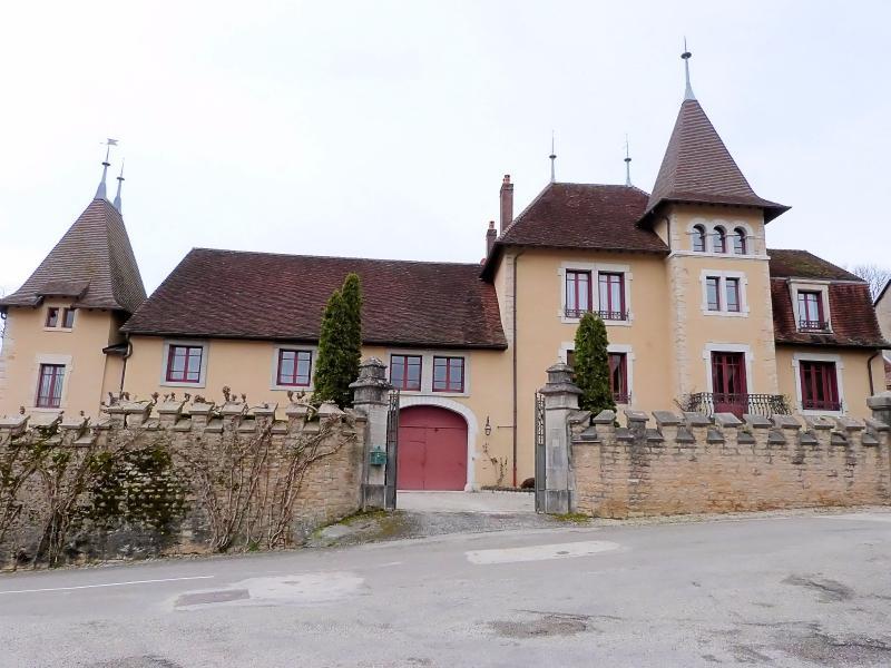 D�partement du JURA (France) BELLE DEMEURE pour chambres d'h�tes, r�sidence familiale ou h�teli�re