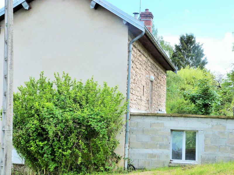 LONS-LE-SAUNIER 3900O Vends MAISON ind�pendante 60m�env.+sous-sol+garage 70m�env. terrain 650m�env.