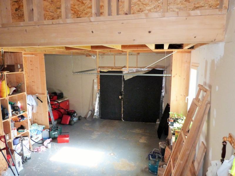 Axe LONS-le-SAUNIER / ORGELET 39 Vends Maison ossature bois 2003 de 135m�env sur terrain 1630m�env