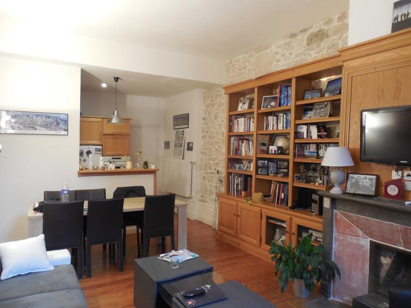 DOLE, 39100, Appartement RARE, T2 dans b�timent historique rue pi�tonne, garage centre ville