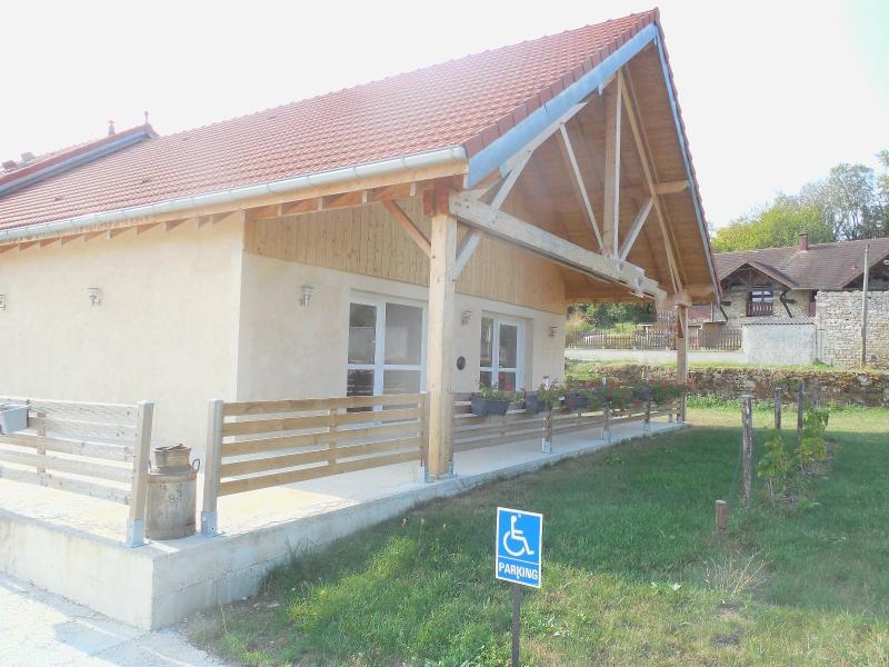 DOLE, 39100, Proche Dole, maison 200 m² loft, à aménager, accès handicap, 1200 m²