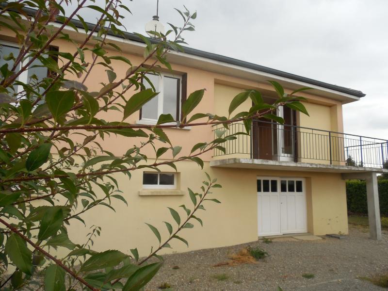 Secteur Damparis (Jura), � vendre maison plan Combet de 87 m�, au calme sur 1000 m� de terrain clos.