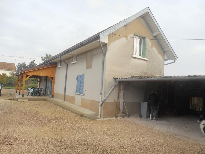 DOLE, � vendre Maison plain pied, 4 chambres, d�pendances, sur terrain de 4380 m� clos constructible
