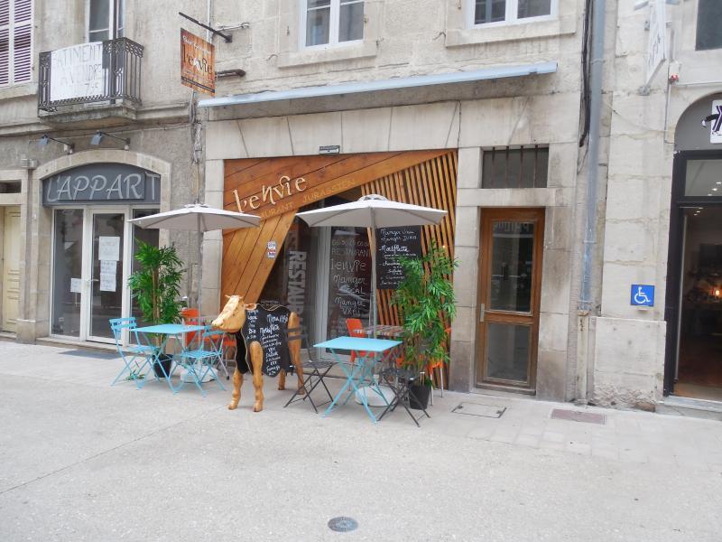 DOLE, 39100, vend cause retraite, Restaurant 14 couverts, terrasse, tr�s bon emplacement petit loyer