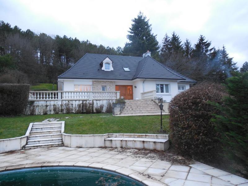 DIJON (21000) à vendre maison 5 chambres quartier résidentiel, dominante, piscine, beau terrain.