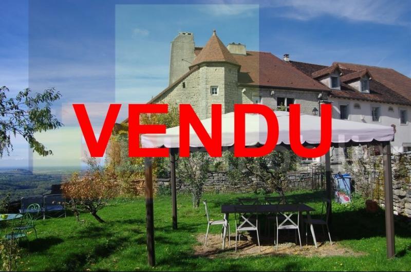 Château Chalon, 39210, Maison 100 m², 2 chambres, parking jardin 200 m² avec vue époustouflante gite
