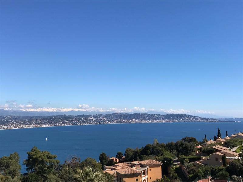 Théoule sur Mer (06 Alpes Maritimes), appartement vue mer en duplex, dernier étage avec terrasse