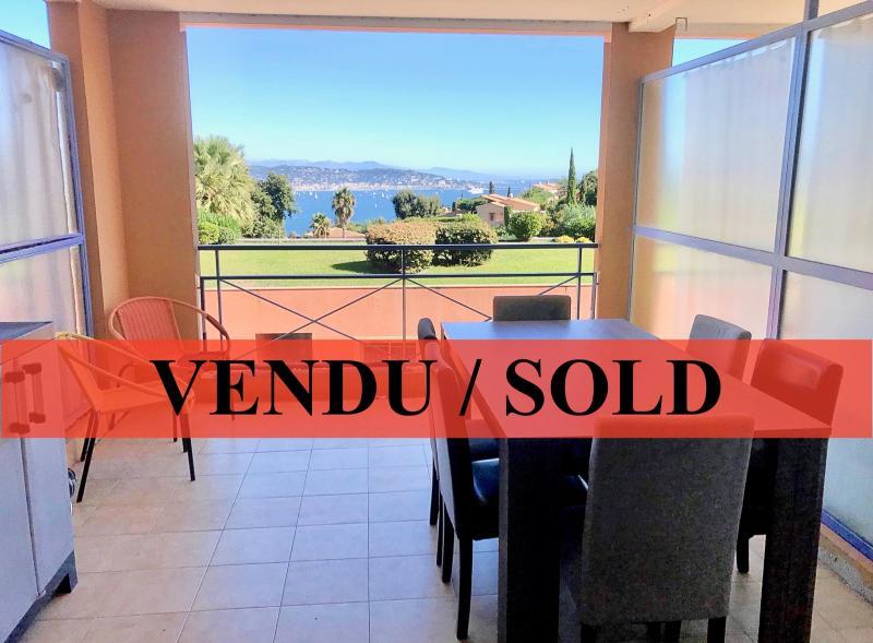 Théoule sur Mer (06 Alpes Maritimes), à vendre appartement vue mer, terrasse 12m2, parking.