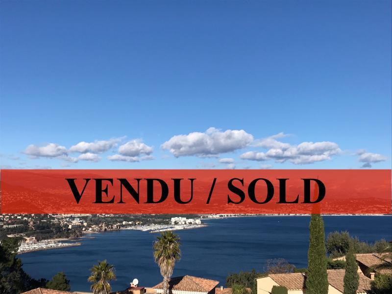 Théoule sur Mer (06 Alpes Maritimes), à vendre appartement 2-pièces avec vue mer, terrasse, parking.