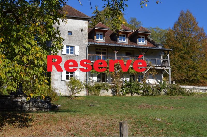 Jura, Proche Lac de Vouglans, � vendre Belle propri�t� r�nov�e 8 chambres sur 2,5 ha avec �curies.