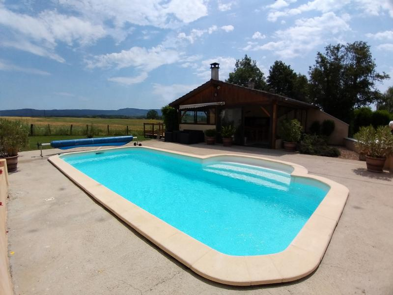LONS-LE-SAUNIER (39 JURA), à vendre maison individuelle 136 m², piscine, four à pain, parc 5344 m²