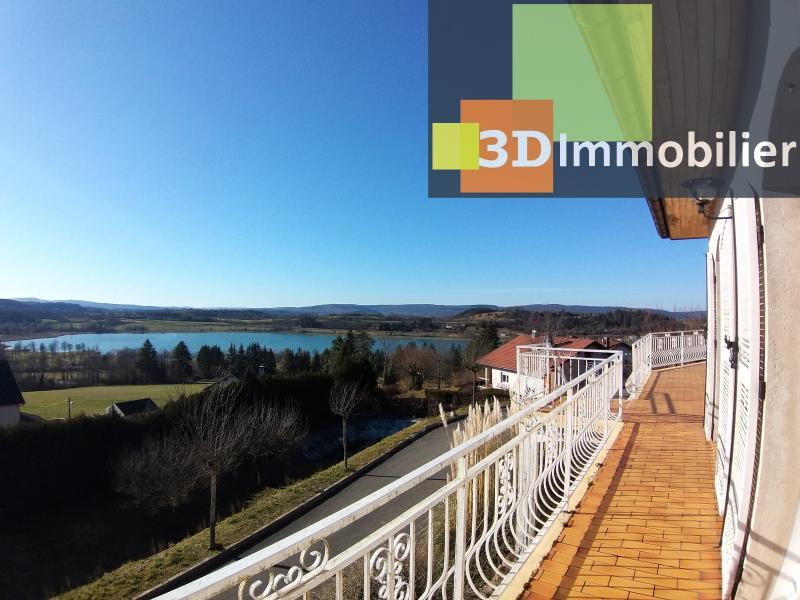 Clairvaux les lacs (39 JURA), à vendre maison rénovée 340 m², parc de 2700 m² avec vue sur le lac