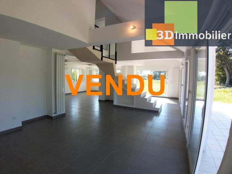 LONS-LE-SAUNIER (39 JURA), Courlaoux, vends maison individuelle moderne, 165 m², 3004 m2 de terrain.