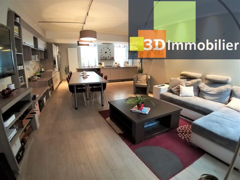 LONS-LE-SAUNIER (39 JURA) centre-ville, à vendre appartement duplex rénové 200 m², 4 chambres calme