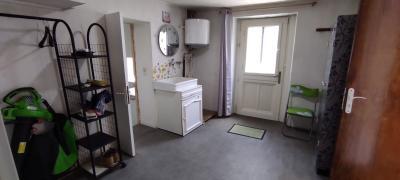 Maison de ville atypique F3 sans terrain avec garage idéal investisseur