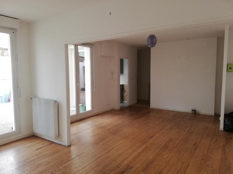 Appartement en plein centre ville de Decize négociable