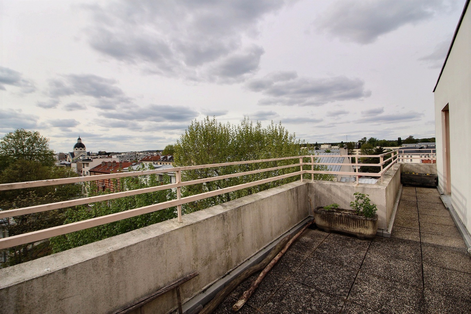 versailles rd 3p dernier etage avec terrasses asc pkg et cave expertim immobilier. Black Bedroom Furniture Sets. Home Design Ideas