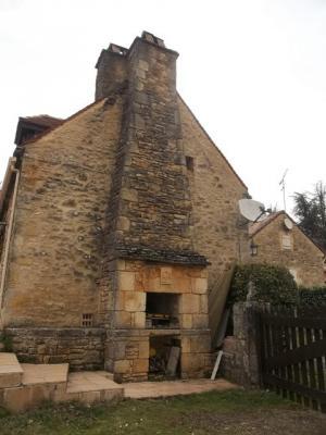 maison pierre restaur�e dans un petit hameau..