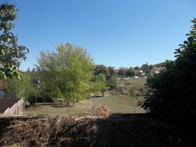 Grange � restaurer avec terrain au centre d