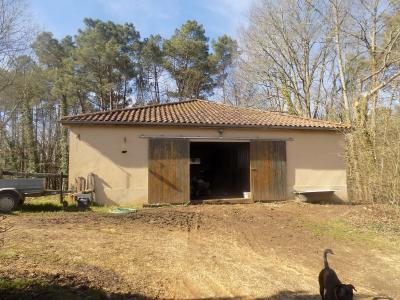 Montclera, Belle maison de campagne de 230 m� sur 3 hectares de pr�s et bois