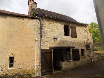 Petite maison de bourg.