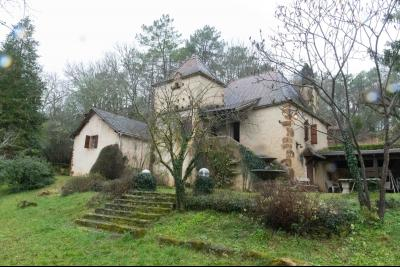Charme et cachet pour cette propriété en pierres avec un parc arboré de 9000 m² MONTCLERA