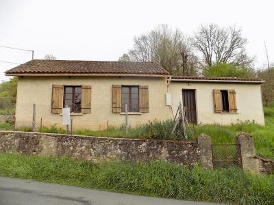 Petite maison de village - beaucoup de potentiel! VILLEFRANCHE DU PERIGORD