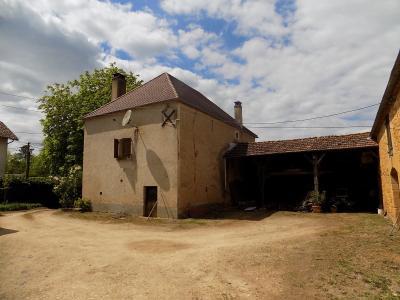 Dordogne, bel ensemble en pierre sur 4738 m� de terrain
