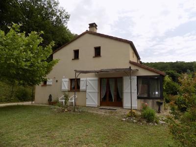 Maison de 1999 non loin du centre du village avec commerces